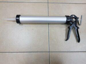 אקדח מקצועי לנקניק איטום 600 גרם דנבר צבעים